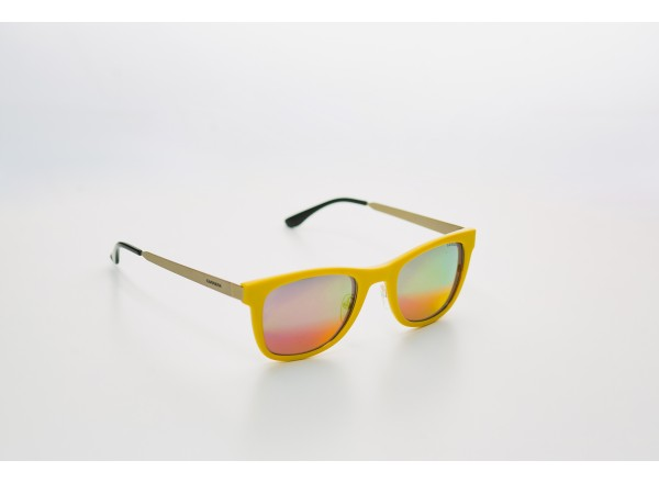 Итальянские солнцезащитные очки Carrera 04